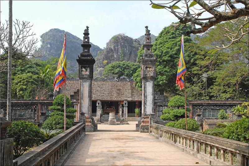 Temple of King Dinh Tien Hoang