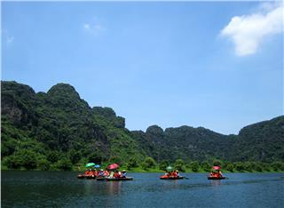 Exploring famous destinations in Vietnam tours