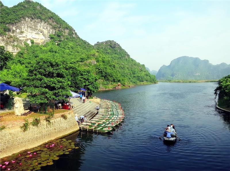 The marina at Trang An Tourist Area