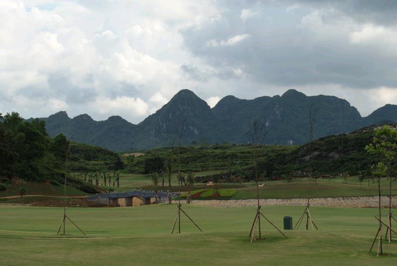 View from Royal Golf Course near Yen Thang Lake