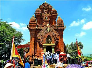 Cham Kate Festival 2014 in Ninh Thuan