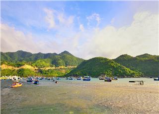 Top 7 most enchanting bays in Vietnam