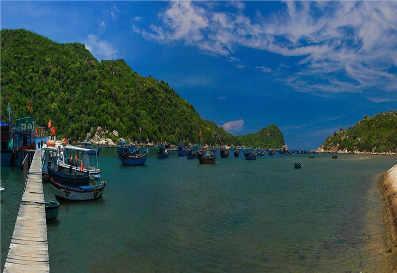 Vinh Hy Bay in Ninh Thuan Province