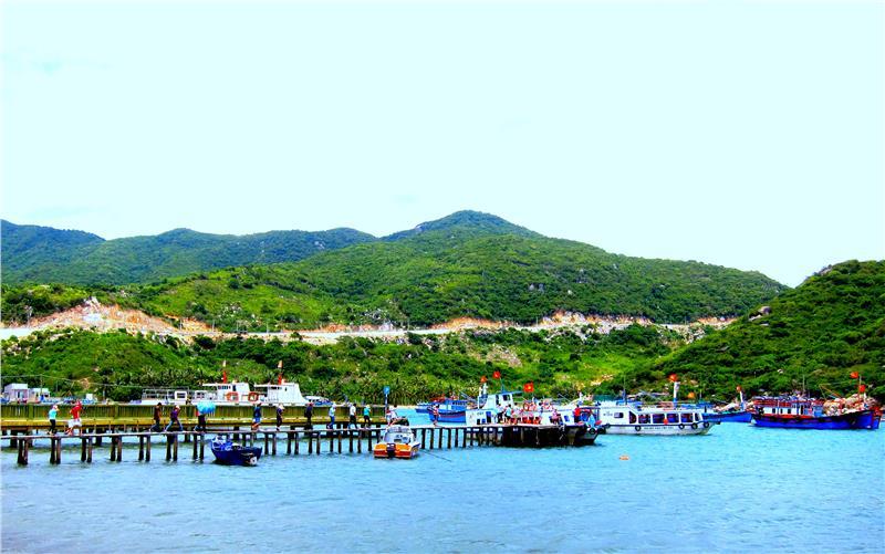 Vinh Hy Bay in Ninh Thuan Province