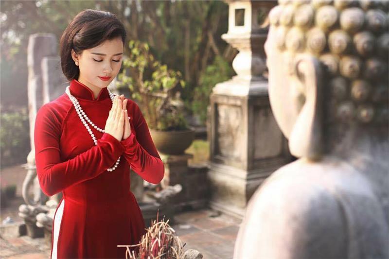 Đầu năm đi chùa lễ phật