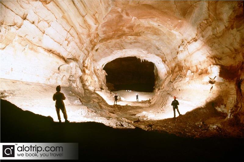 Bi Ky  Grotto