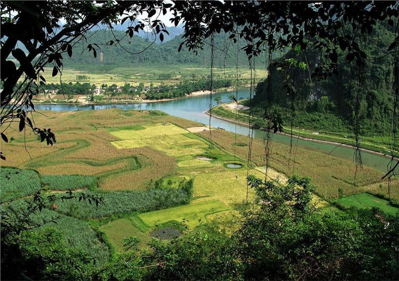 Son River outside Phong Nha Cave