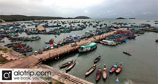 An Thoi port Panorama
