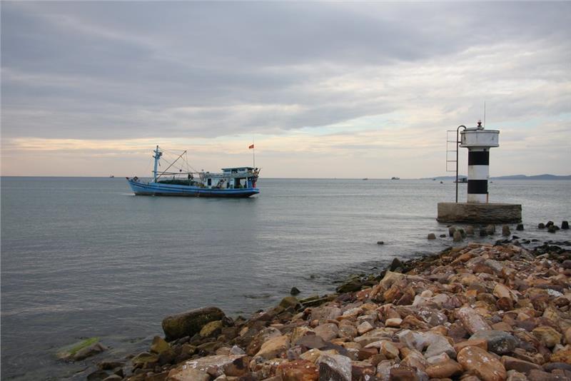 Dinh Cau Cape overlooking the sea