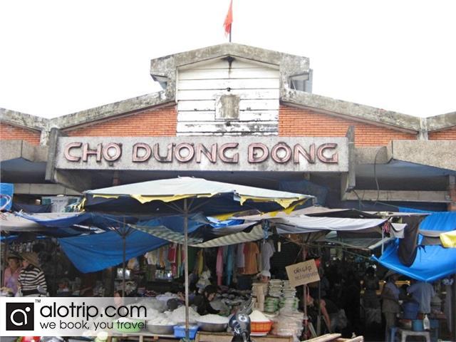 Duong Dong Market