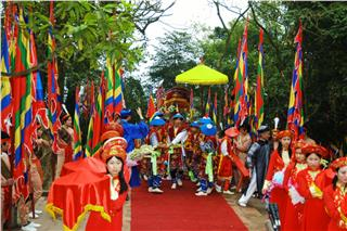 Preparation for Hung Temple Festival 2015