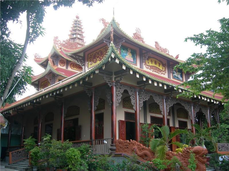 Buu Lam Pagoda