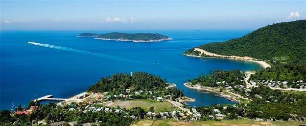 Cù Lao Chàm thu hút khách du lịch bởi vẻ đẹp hoang sơ của biển