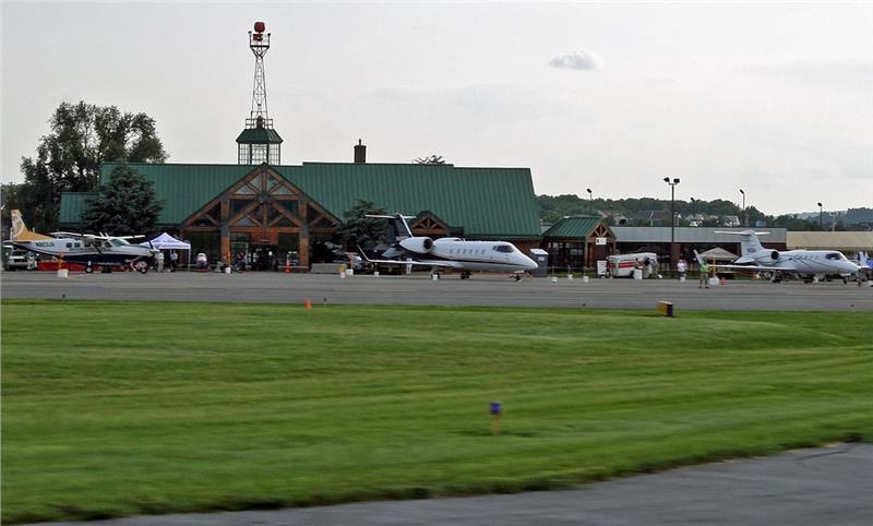 Sân bay Lancaster