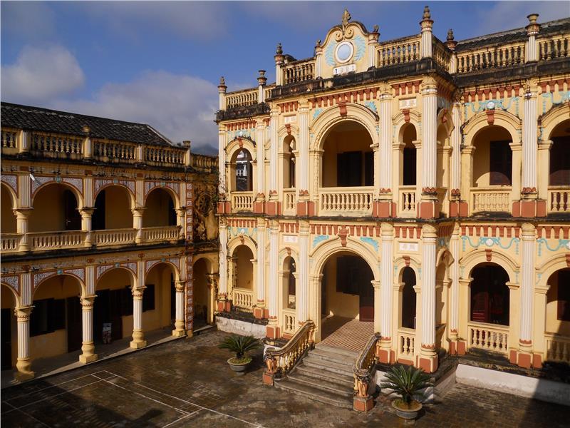 Hoang A Tuong Palace in Sapa