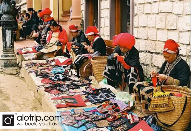 women selling Handicrafts