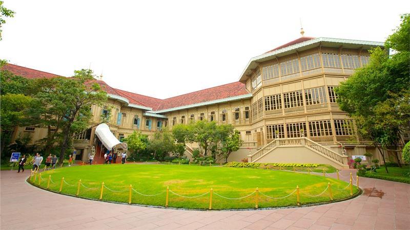 Tham quan cung điện Vimanmek