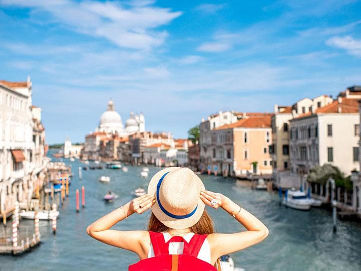 Đi du lịch Châu Âu không thể thiếu được một chiếc Sim du lịch