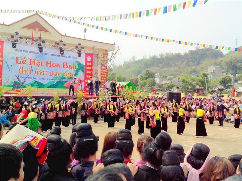 flower festival in vietnam The hanoi flower festival 2012 will open in the capital city of hanoi from december 30, 2011 to january 2, 2012.