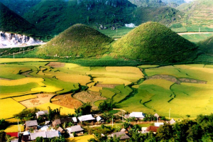 Contemplate the ancient beauty of Ha Giang on Vietnam holidays
