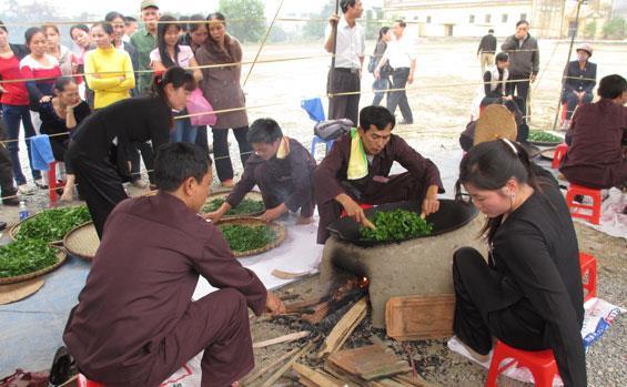 Tea Processing Contest in Dai Tu Tea Festival