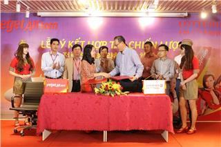 Vietjet Air ký kết hợp tác chiến lược với Lotteria Việt Nam