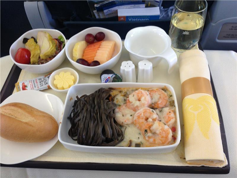 Business class lunch on board Vietnam Airlines