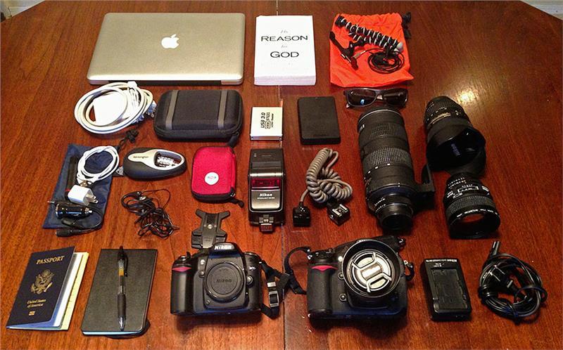 Máy ảnh và các thiết bị điện tử mang lên máy bay
