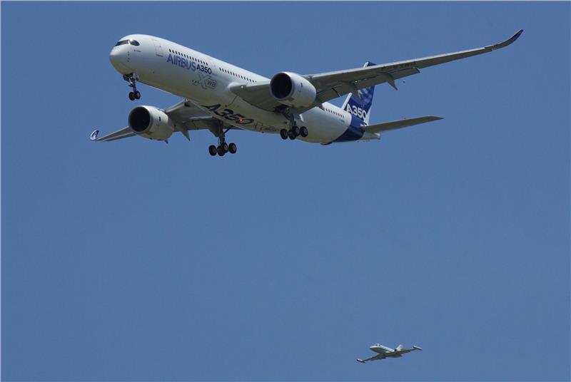 Vietnam Airlines seeks strategic partners in Quarter IV