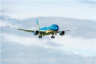 Great air show of Vietnam Airlines Boeing 787-9