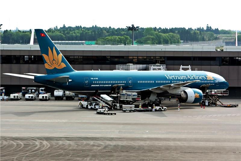 Vietnam Airlines Travel to Da Nang beach city