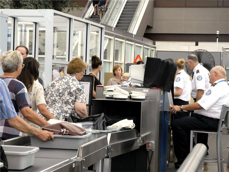 Những đồ vật không được mang lên máy bay Vietnam Airlines