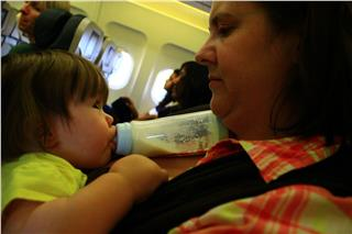 Vietnam Airlines tips for passengers traveling with children