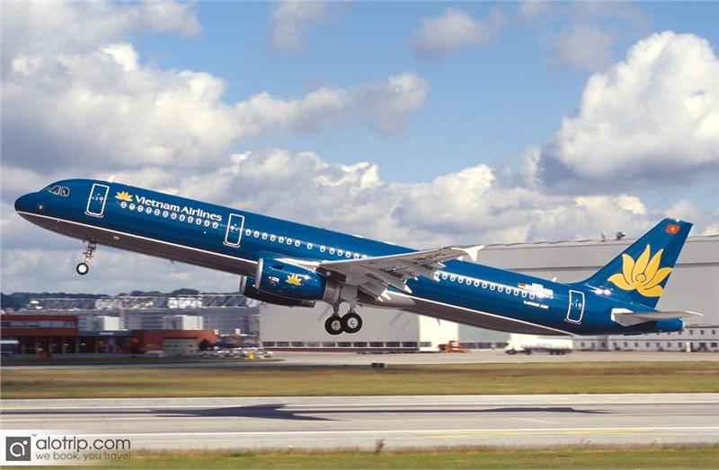 Vietnam Airlines increases domestic flights on April 30 Holiday