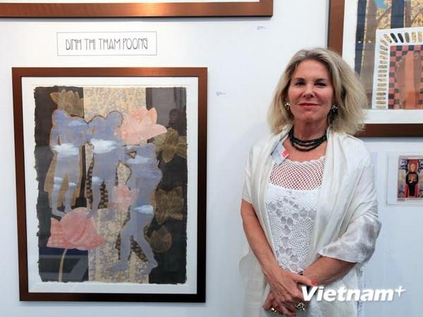 Raquelle Azran - who brings Vietnam Art to the world