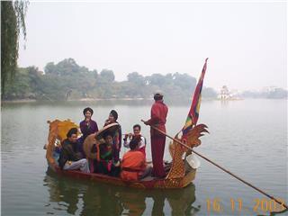 Beautiful Quan Ho melodies in Northern Cau River