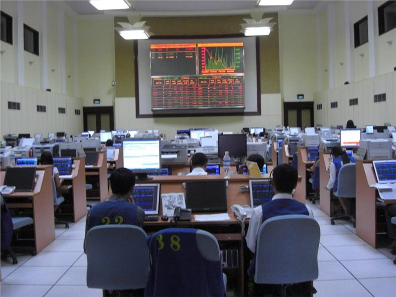 Vietnam stock market attracts foreign investors
