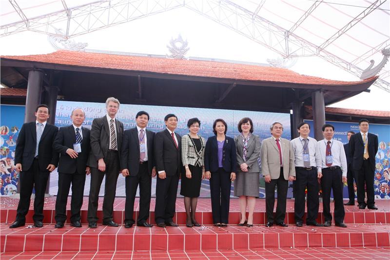 Nokia factory in Vietnam in opening ceremony