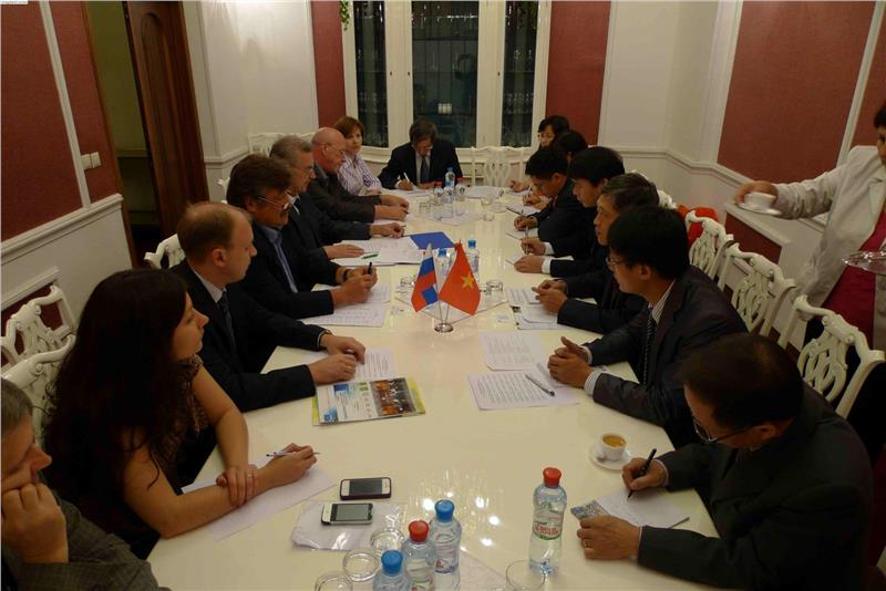 Promote Russian investment in Vietnam oil and gas