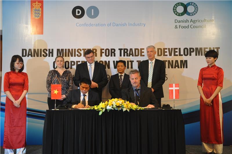 Signing ceremony between Vietnam and Denmark
