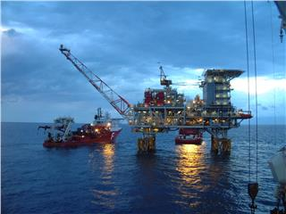 Vietnam welcomes Russian oil and gas corps