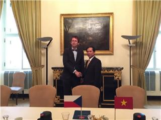 Czech keeps supporting ODA for Vietnam