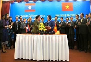 Vietnam Laos labor cooperation boosted