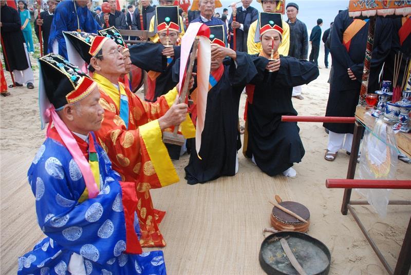 Rituals in Cau Ngu Festival