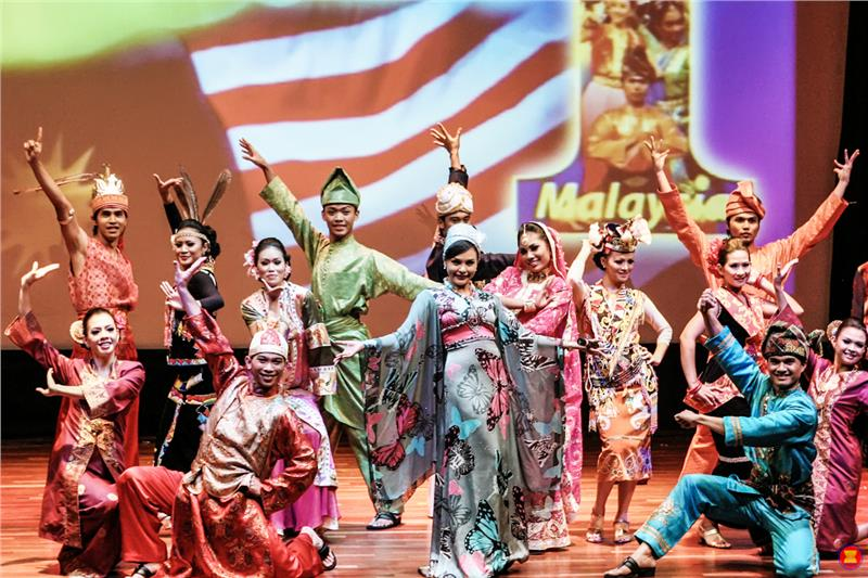 Performance of Malaysian traditional dance