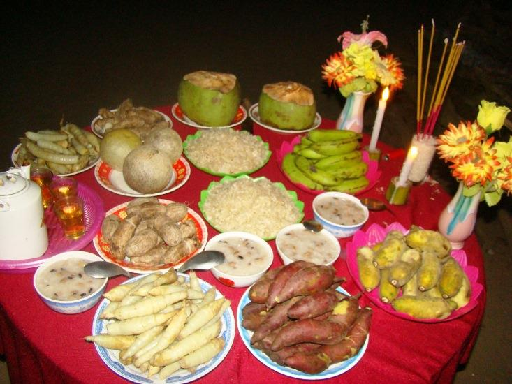 Moon worshipping with local specialties