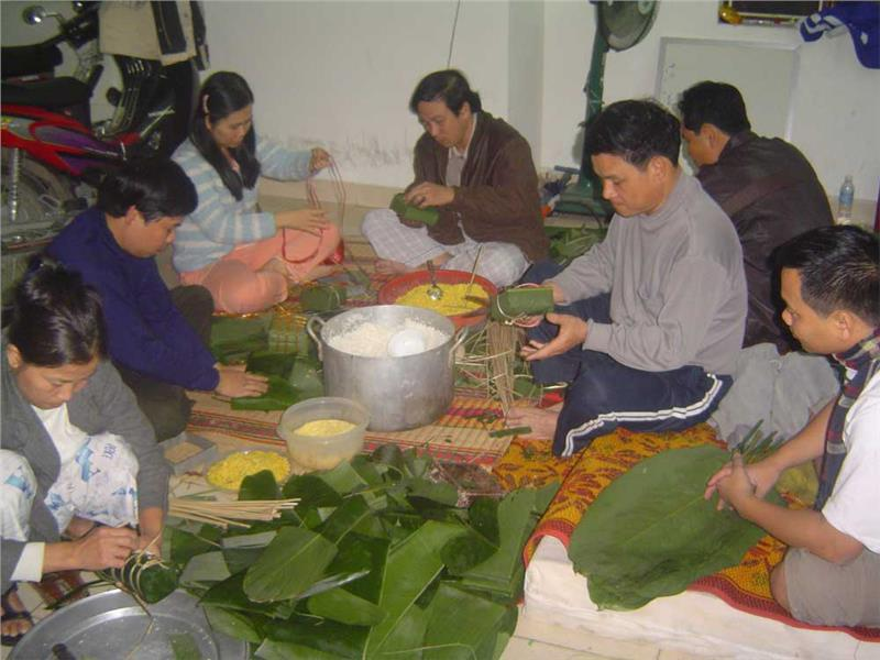 People gather to make Chung Cake
