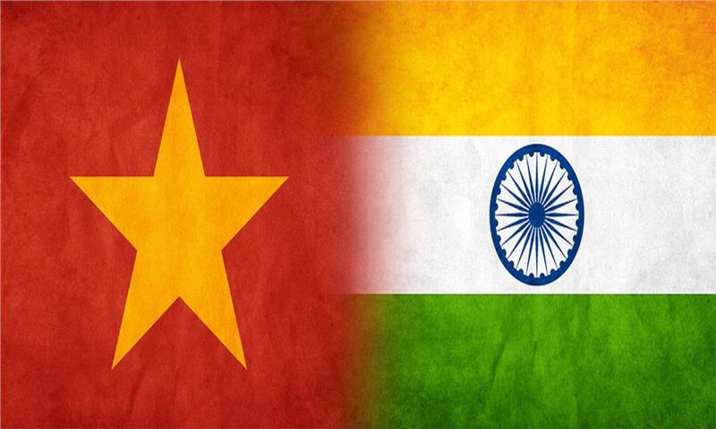 Vietnam - India flags