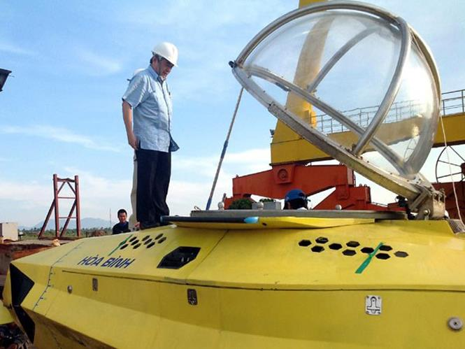 Peace, the first AUV in Vietnam
