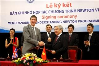 England supports Vietnam Newton Program